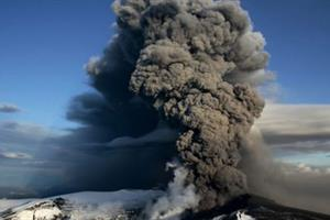 Eyjafjallajökull eruption photo